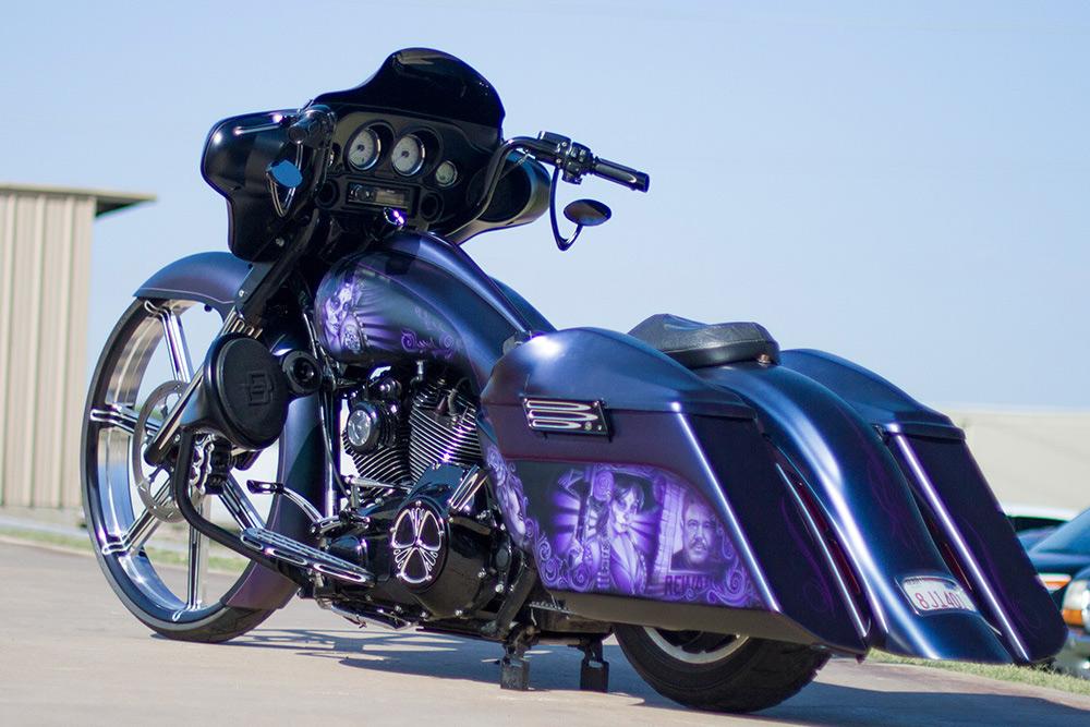 Harley - full bike in one shot from back