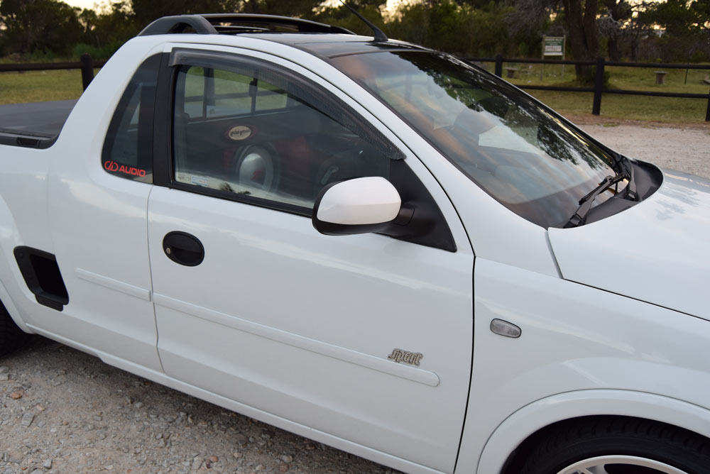 Opel Corsa - Exterior Close up