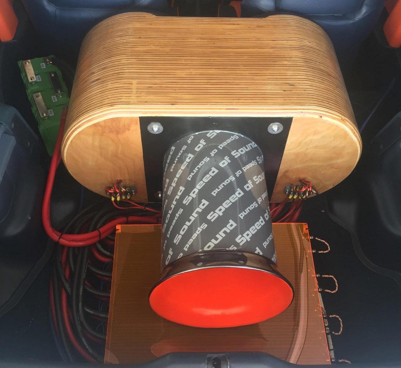 Honda Civic Custom for Z Subwoofers - Back Port