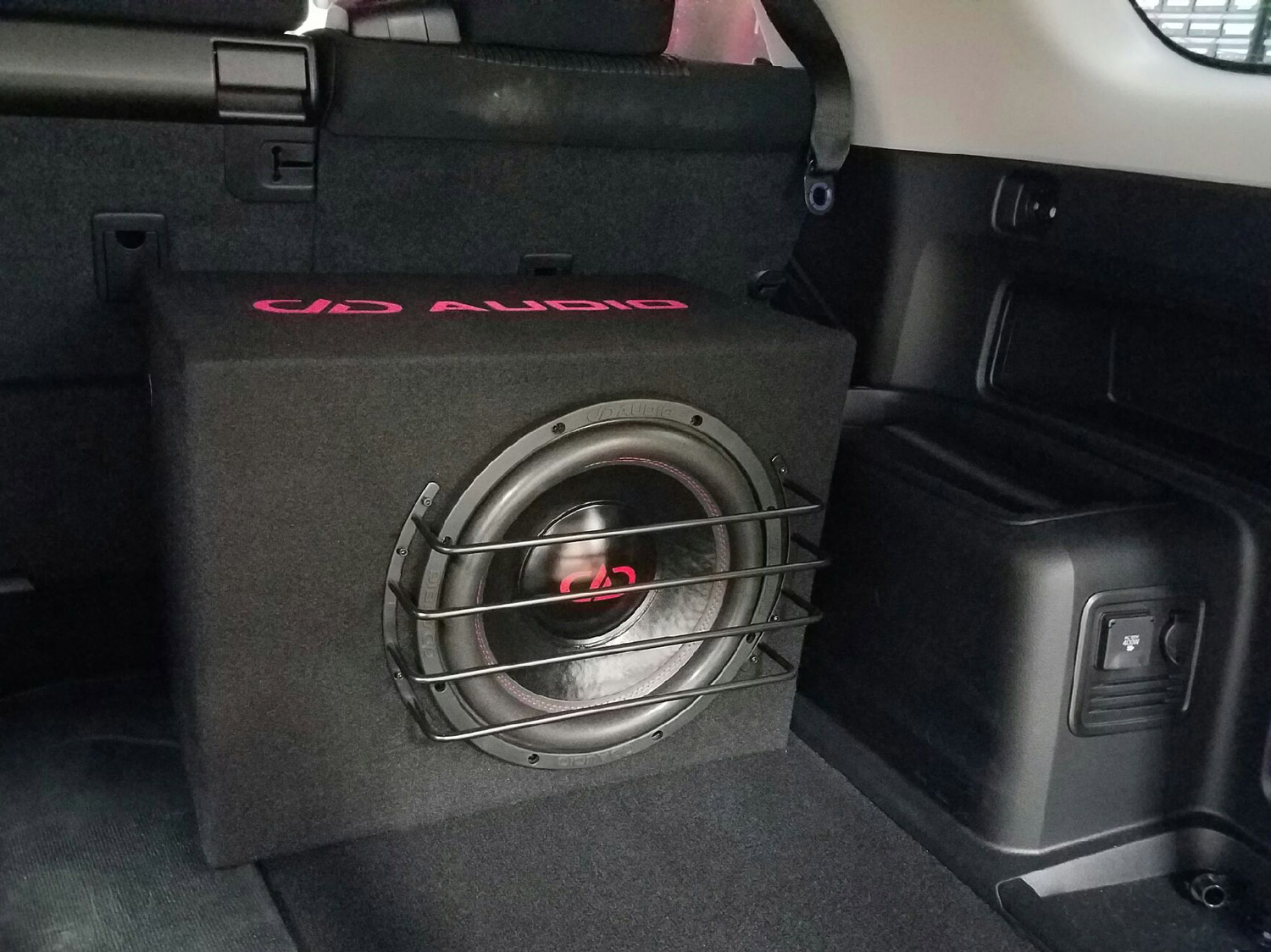 Toyota 4Runner Rear Cargo - LE-M12 Loaded Enclosure