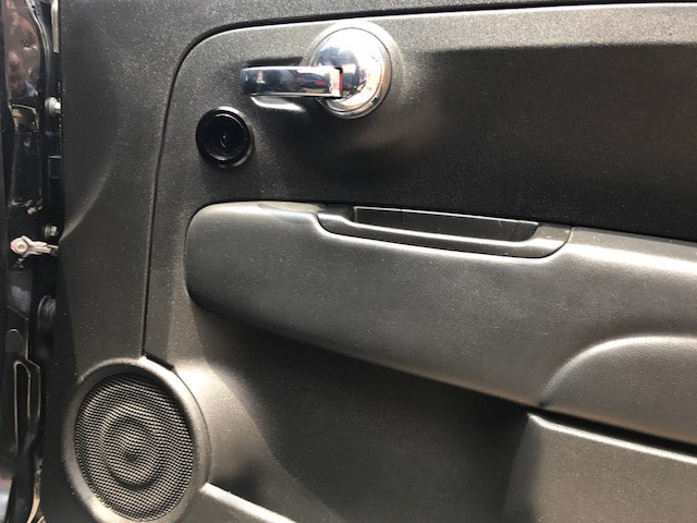 Fiat 500 Door with Integrated Speakers