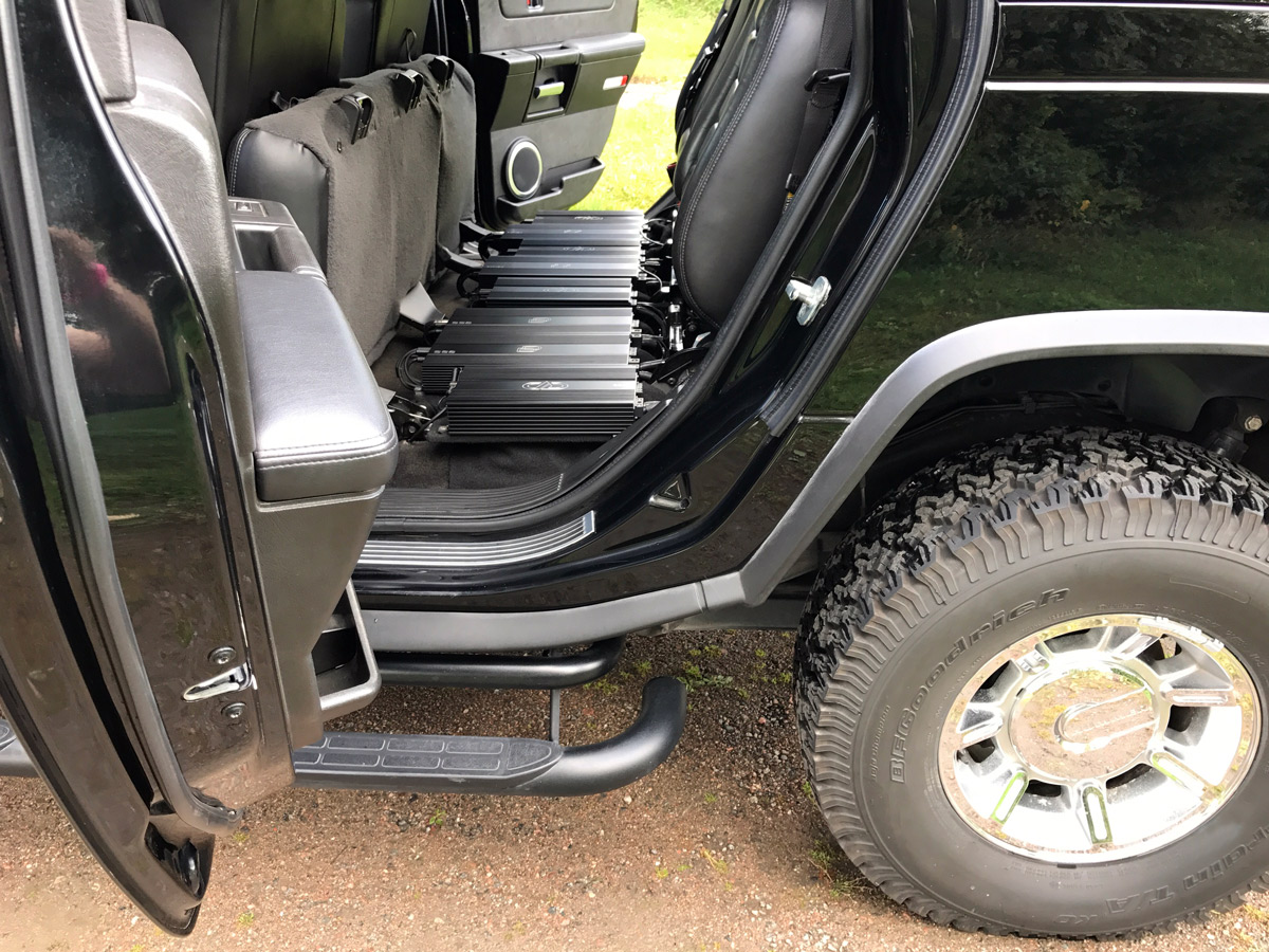 Hummer Under Seat Amps - Both Seats Up