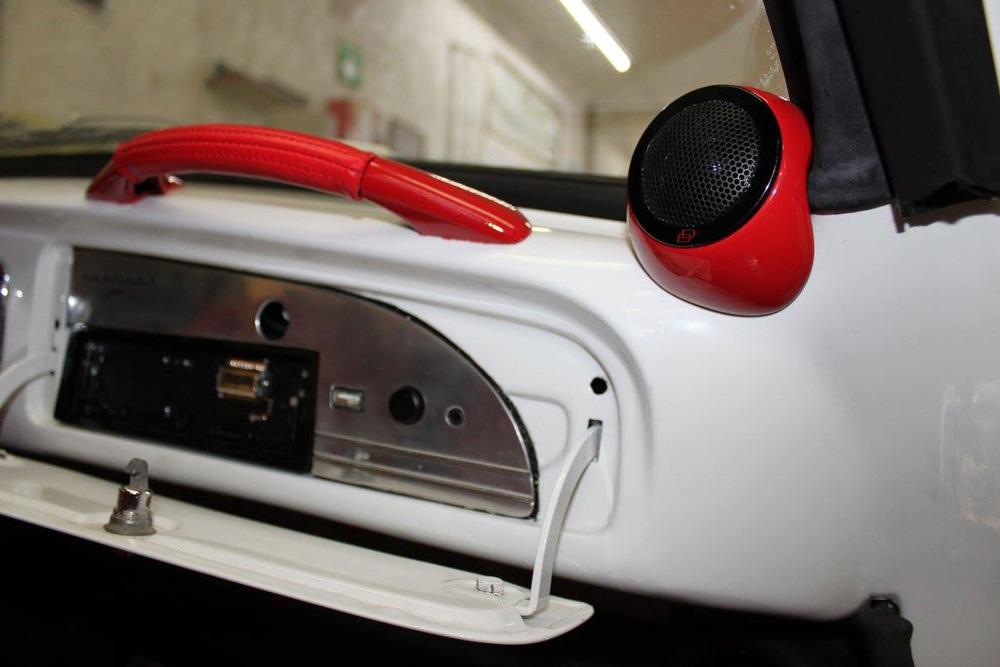 Pro Audio MX - Custom Ghia Passenger Interior
