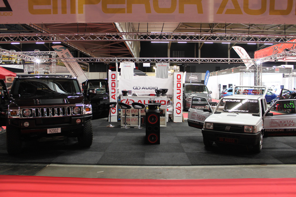 Fiat Panda in Booth with Hummer