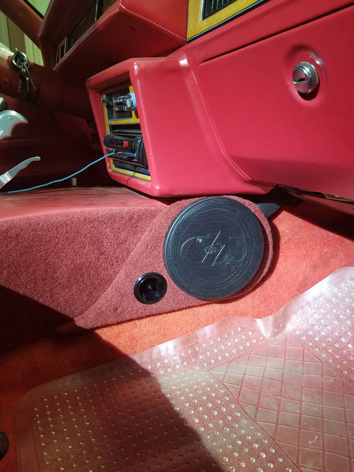 Car Tunes custom install console speaker passenger