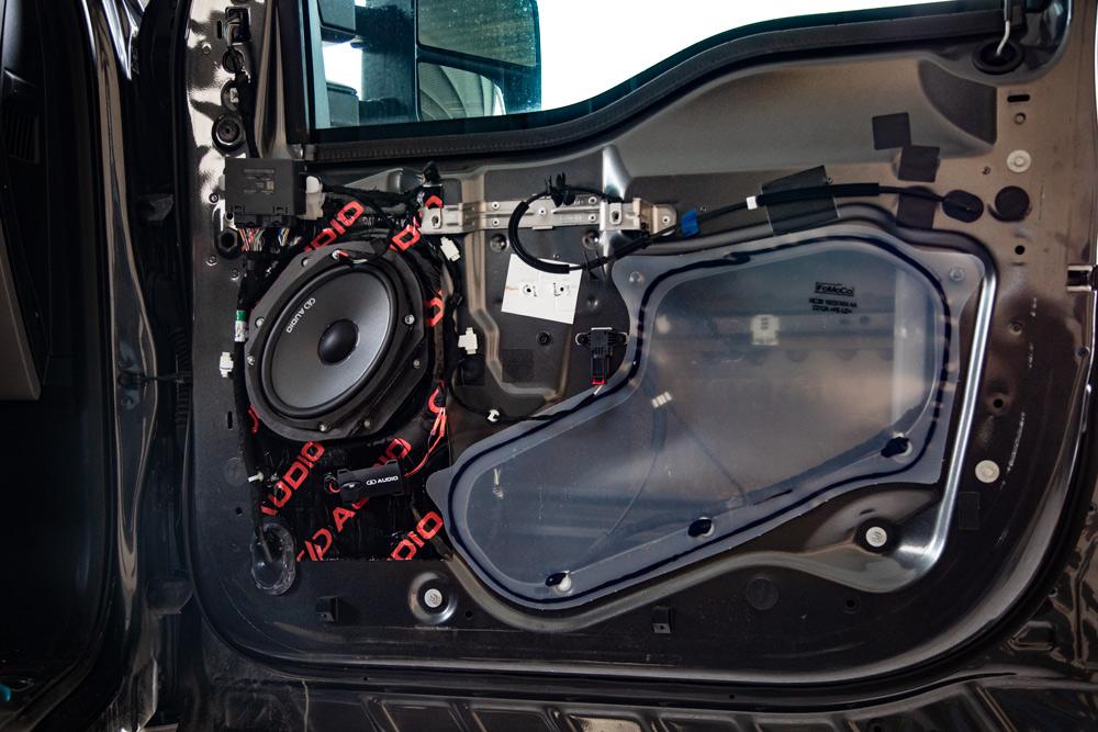 DC6.5 Component Sets Installed on Door with EA3.1 Sound Deadening