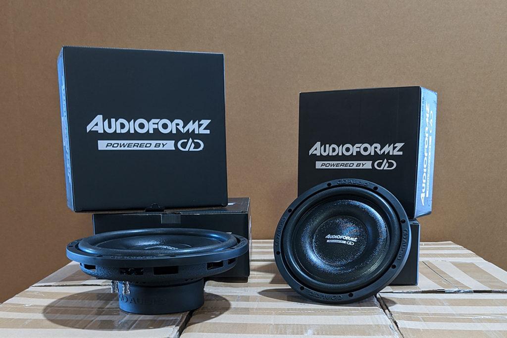 audioformz speakers with packaging