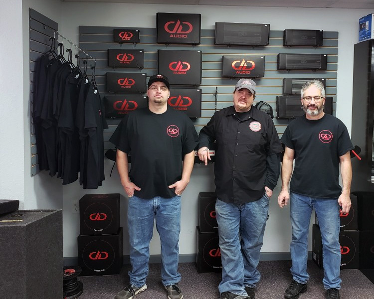 CarTunz staff with DD Product Display